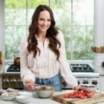 What Celebrity Nutritionist Kelly Leveque Actually Eats Daily